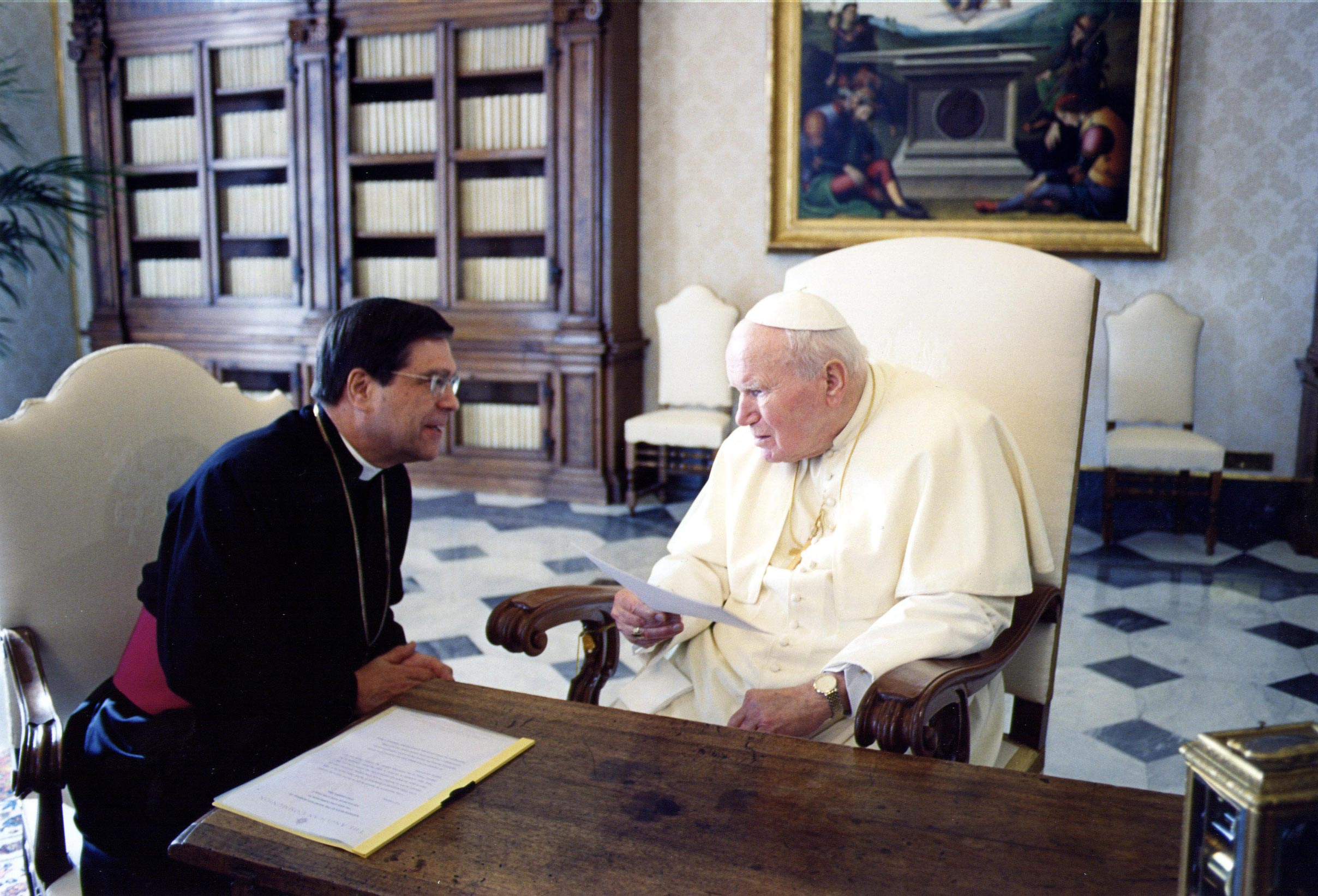 The Revd Canon John L. Peterson, the Secretary General of the Anglican Communion speaks with His Holiness Pope John Paul II at the Vatican