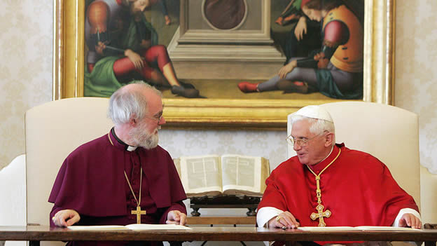 Archbishop Rowan Williams of Canterbury and Pope Benedict XVI signing common declaration on Nov. 23, 2006