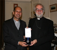 Rev Donald Bolen receives the St Augustine Award from Archbishop Rowan Williams (2009)