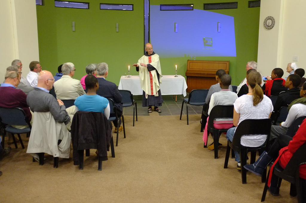 Celebration of the Eucharist according to the Roman Catholic liturgy during the ARCIC III meeting in Durban, South Africa (2014)