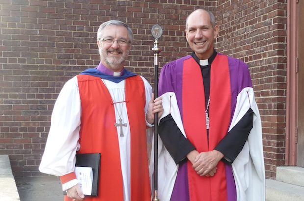 Bishop David Irving of the Anglican Diocese of Saskatoon and Bishop Donald Bolen of the Roman Catholic Diocese of Saskatoon before the convocation of the College of Emmanuel & St. Chad and the Saskatoon Theological Union