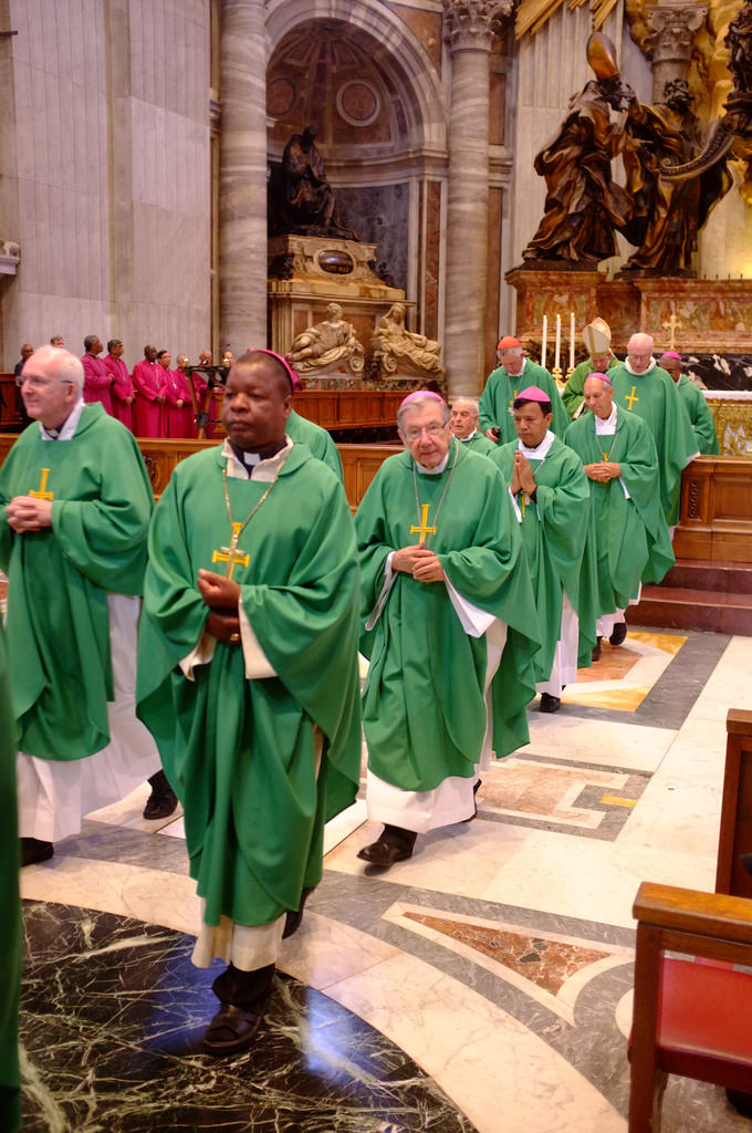 The Roman Catholic bishops of IARCCUM in green and the Anglican bishops of IARCCUM in red in the background. Each morning of the IARCCUM pilgrimage, the bishops celebrated the Eucahrist together, alternating between Anglican and Roman Catholic rites